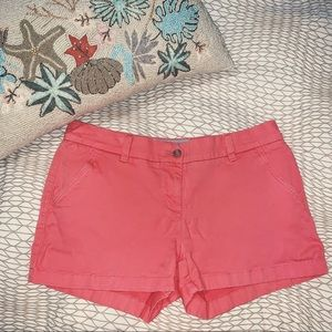 Southern Tide The Skipjack LEAH Coral Shorts